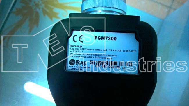 Mặt sau máy đo khí Máy đo khí VOC MiniRAE Lite