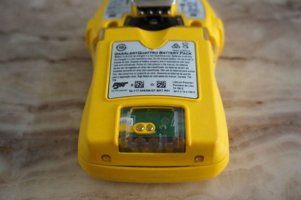 Mặt sau máy đo khí GasAlertQuattro