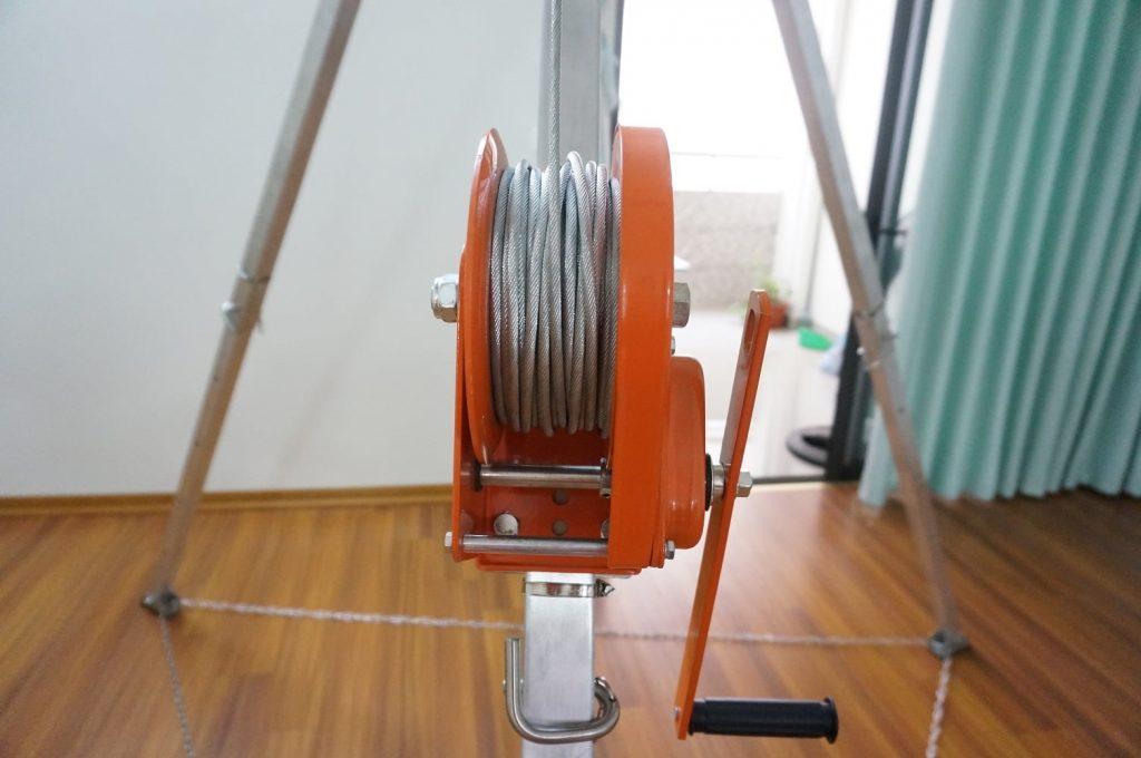 Tời 30M loại Inox, loại cuộn cơ (quay tay)