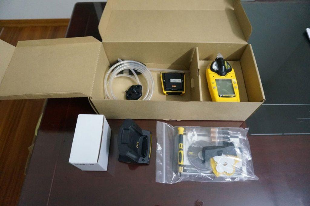 Hộp GasAlertMicro 5 (pump) kèm phụ kiện